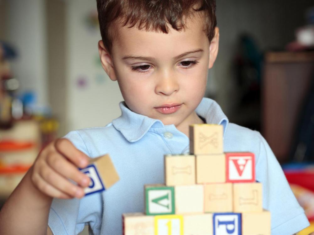 Autista fiúnak szeretne meglepetést okozni az anyukája! Sebestyén Balázs  posztolta ki az aranyos levelet 7caa2a7177