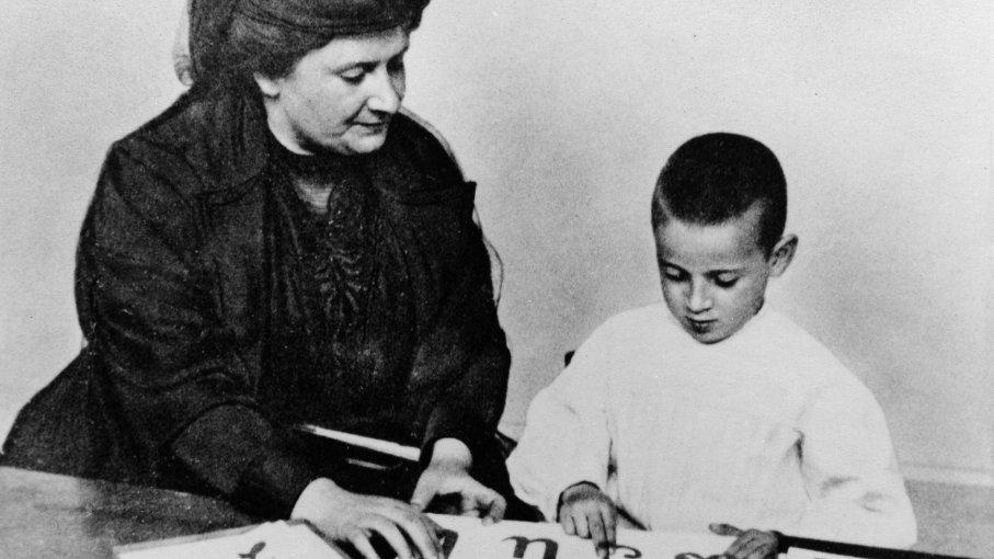 Montessori irányelvek otthonra – játékhoz, tanuláshoz, gyakorláshoz